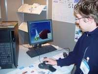 Tajni Špicelj Gandalfar se s strahospoštovanjem dotika IBMovega ožičenega hrčka. Pazi, grize!