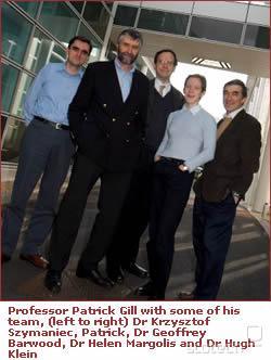 Profesor Gill s svojo ekipo