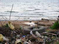 ... in tako kot praktično ves Dagestan – kupi smeti