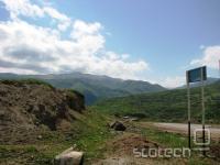 Zelena meja sega v Dagestanu nenavadno visoko. Divja in neposeljena pokrajina včasih jemlje dih.