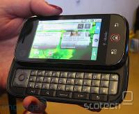 Motorola CLIQ z MOTOBLUR preobleko