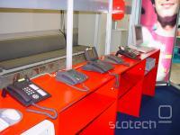 edinstveni primerki stacionarnih telefonskih aparatov na sejmu
