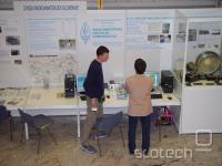 svojevrstna predstavitev radioamaterske opreme