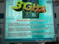 Asus se je bahal z najmočnejšim računalom na sejmu...