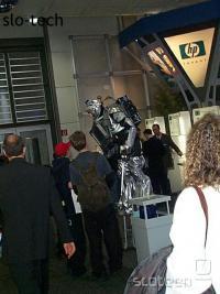 Aja, HPjev robot... Vse jasno. :)