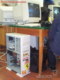 Žiletov Ferrari računalnik