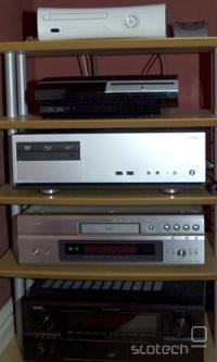 Vse to lahko zamenja že en računalnik v omari in en majhen HTPC ob televizorju