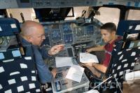 Vodja misije in pilot v simulatorju