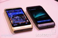 Nokia E7 ob manjši N8