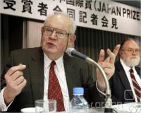 Mandelbrot na konferenci v Tokiu leta 2003