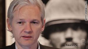Julian Assange je napovedal, da naj bi Wikileaks nove dokumente objavil že prihodnji teden.