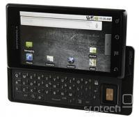 Motorola Droid - prvi mobilni telefon z Android 2.0 in mobilnik, ki je Motorolo vrnil med žive