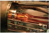 Z zlatimi elektrodami lovijo pozitrone in antiprotonove v antivodik.