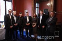 Christophe Muller, vodja (YouTube Evropa), Guy Seligmann (SCAM), Laurent Heynemann (SACD), Pascal Rogard (SACD), Christiane Ramonbordes (ADAGP), Jean-Marc Tasseto (Google Francija), Herv� Rosny (SCAM)