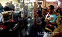 Čeprav so računalniki na Kubi legalni, posebej razširjeni niso. Povprečna plača namreč znaša 20 dolarjev, računalnik pa stane 800 dolarjev.