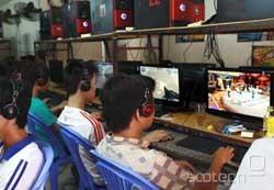 V Vietnamu je priljubljeno igranje iger v kiberkavarnah.