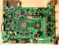 Matična plošča stare revizije: na sredini Ati Xenos obkrožen z GDDR3 pomnilnikom, desno IBM Xenon, zgoraj HANA čip, zgoraj levo južni most