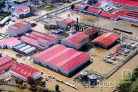 Poplavljen Bang Pa Industrial Park, kjer ima Western Digital glavni tajski obrat
