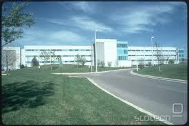 Sedež MM v Libertyville, Illinois, ZDA. Letno obrnejo 13 milijard dolarjev prometa, na podlagi dela 20.000 zaposlenih.