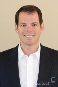 Marc Miller, novi šefe MPAA za tehnično varovanje internetnih storitev. Prihaja z Nintenda, njegova glavna naloga pa bo prepričati studijske šefe, naj sledijo potrošnikom in ponudijo svoje vsebine tudi na spletu.