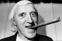 Lord Jimmy Savile aka Pedomedo. Še lani za čas božiča ga je BBC slavil kot legendo.