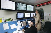 Ameriška carinska uprava (CBP) trenutno razpolaga z 9 Predator droni, ki jih upravlja 80 pilotov. Na južni meji bdijo nad nezakonitimi priseljenci in prekupčevalci z drogo.