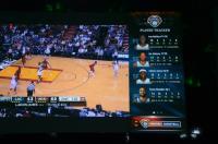 Ogled košarkarske tekme z gledalčevo fantazijsko ligo v Snap Mode na desni