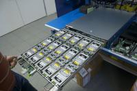 Eden izmed dveh predalov s 15 trdimi diski v modulu Open Vault