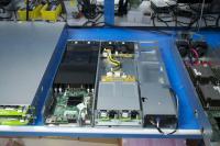 Podatkovni strežnik, ki upravlja s podatki v modulu s trdimi diski