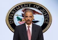 Ameriški generalni državni tožilec Eric Holder. Zgodovina bo pokazala, da je ta mož v enem mandatu izbrisal za 100 let sodne prakse v dobro zasebnosti.