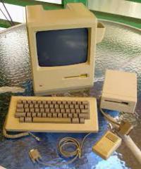 Macintosh 512K.