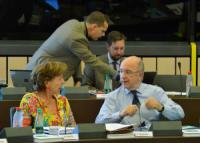 Stari in novi evropski komisar za konkurenco, Kroes in Almunia.