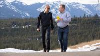Satya Nadella, izvršni direktor Microsofta, in nekdanji Nokiin šef Stephen Elop