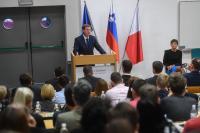 Premier dr. Cerar želi, da bo Slovenija prepoznavna kot Blockchain prijazna destinacija; foto: Vlada/Nebojša Tejić/STA