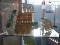 "Matične plošče, a ne računalniške, temveč matične ploščice za mobitele. ""Wake on LAN"", 1x AGP, 6x PCI,..."