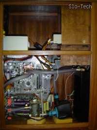 Slika 17: Vgrajen sistem v lesenem ohišju